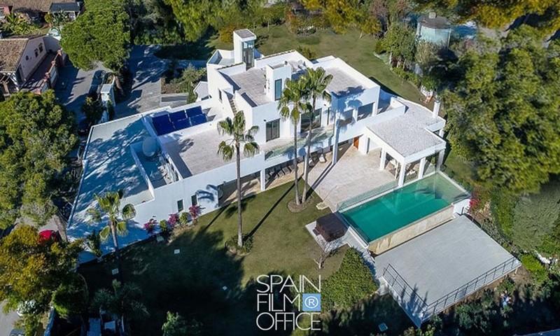 Villa-Atalaya-02-TH600x800