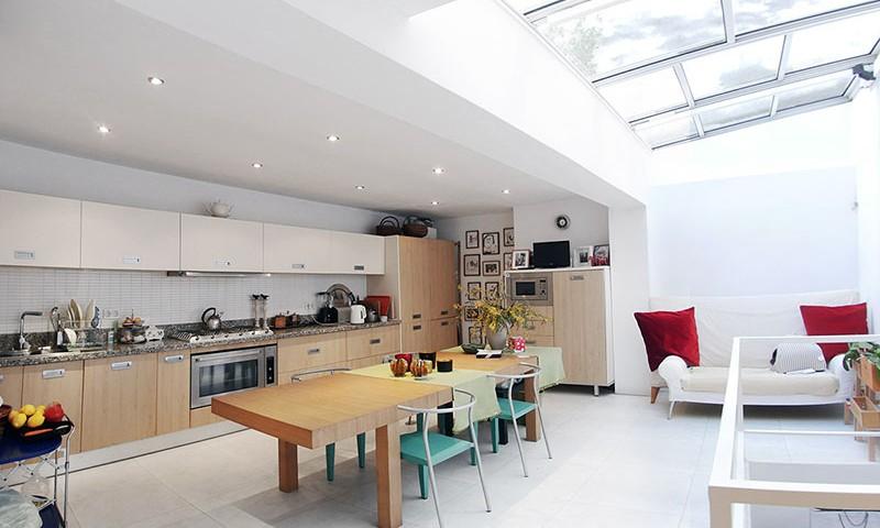 Kitchen_wide_P1210368_TH800x600
