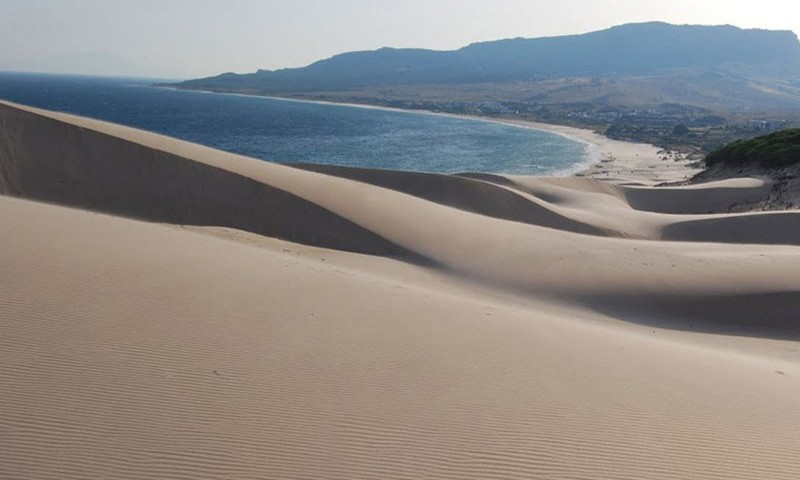 sundy_beach_dunes_film_location_cadiz_th800x600