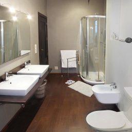 11_Bathroom_3_P1230432_1200X900